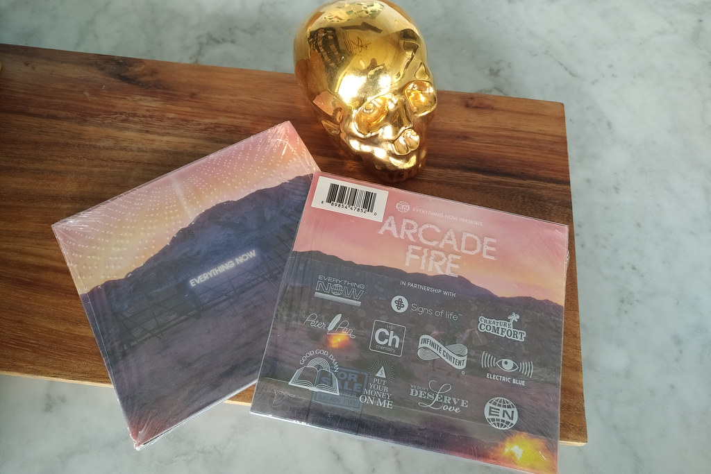 arcade_fire_everything_now_contest
