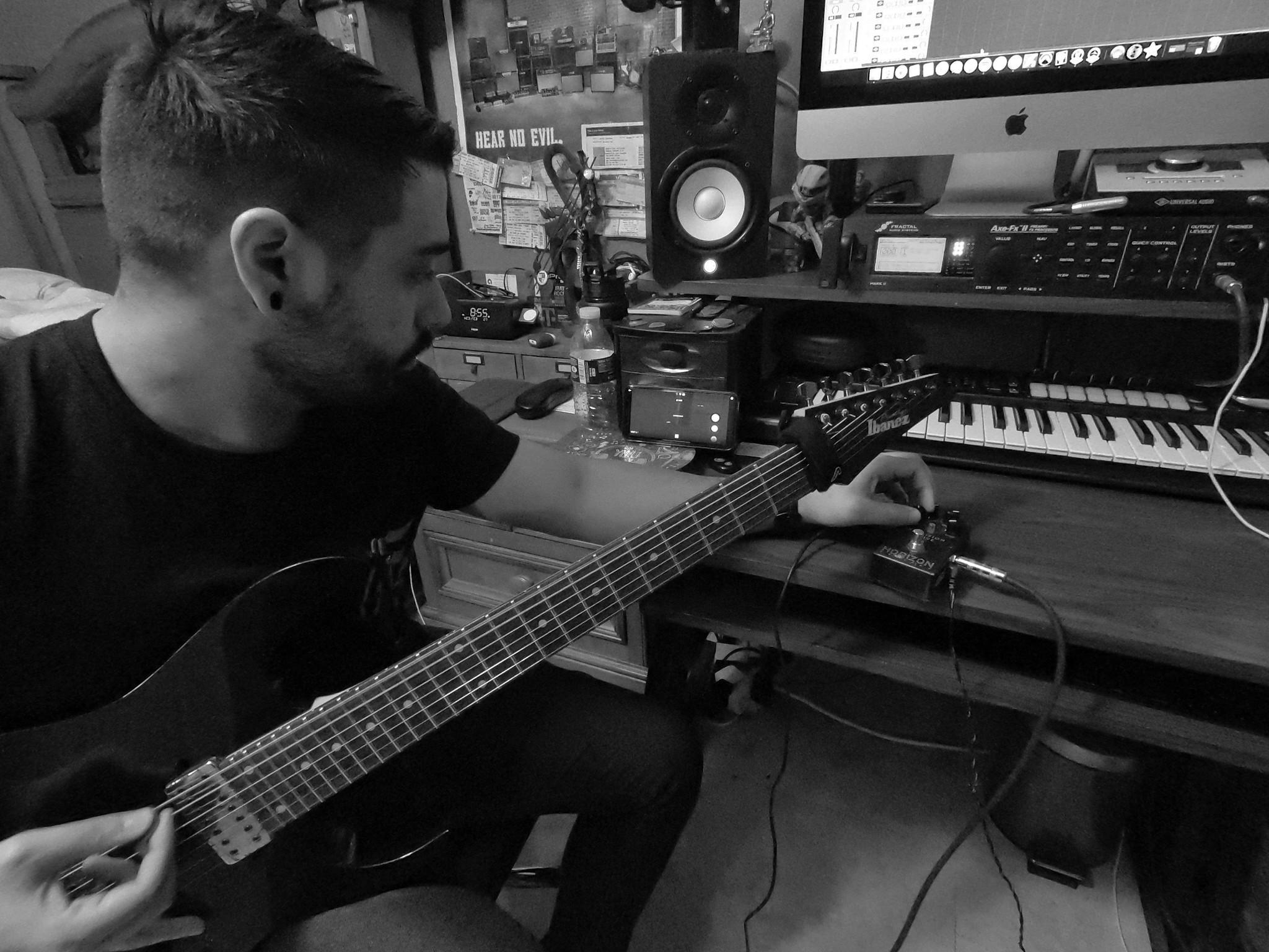 acaedia_guitarist_javier_sardinas_horizon_devices_precision_drive