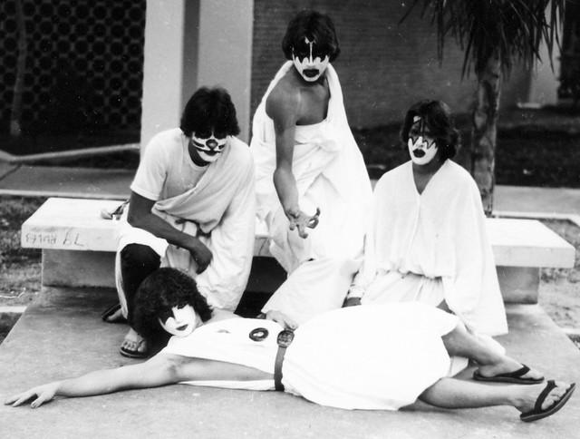 CHRISTOPHER-LONG-KISS-TOGA-1979